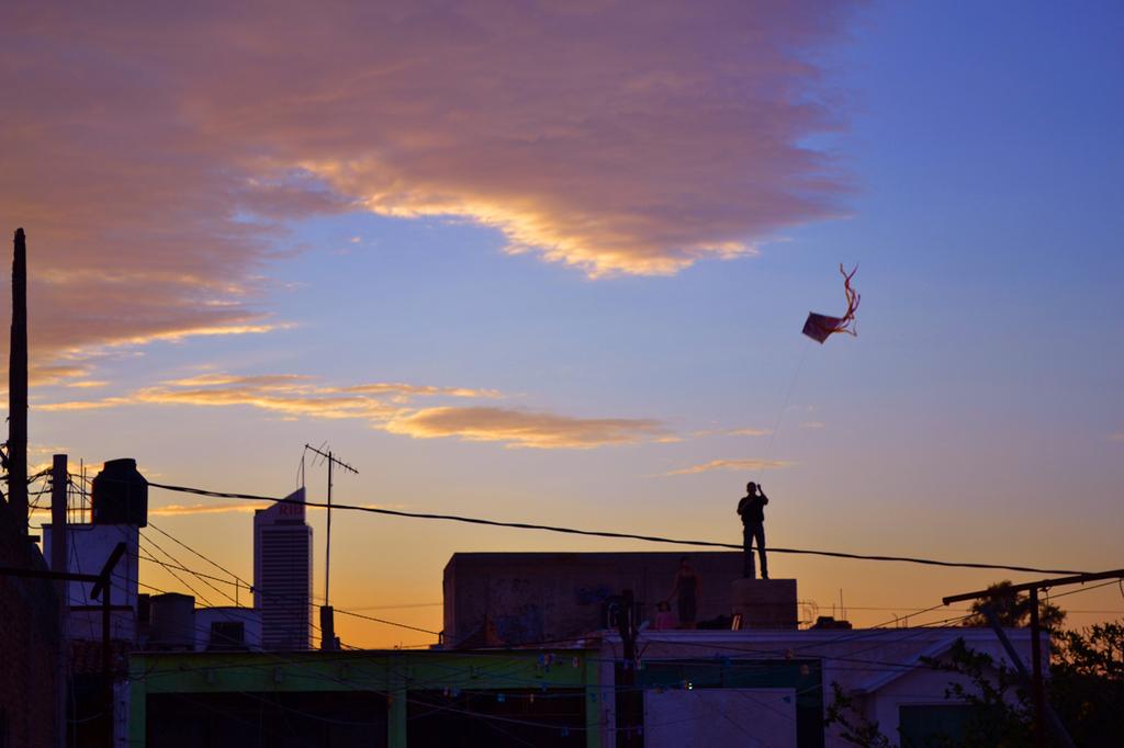Cometa_por_la_terde_juan_salvador_2012-normal